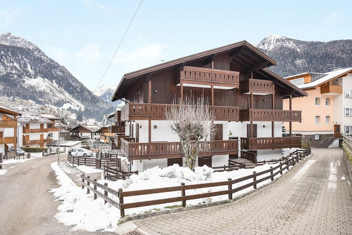 Quiet Holiday Apartment La Rossa with Wi-Fi, Balcony & Mountain View; Parking and Garage Available