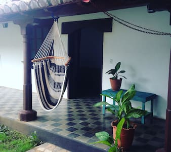 Lovely apartment in a colonial house - León - Lejlighed