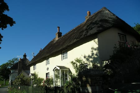 A home from home in Lulworth Cove! - West Lulworth - Casa