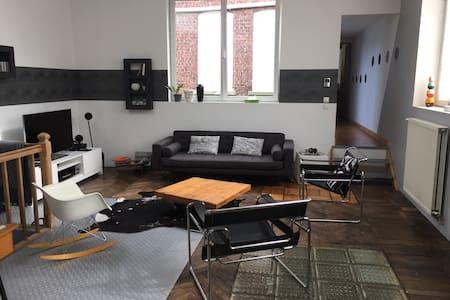 Loft 200 m2 moderne et spacieux - Tourcoing