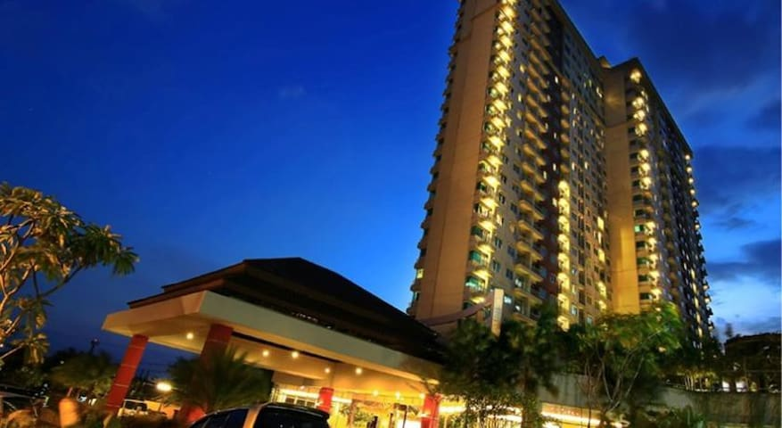 Kamar Deluxe di Solo Paragon Hotel
