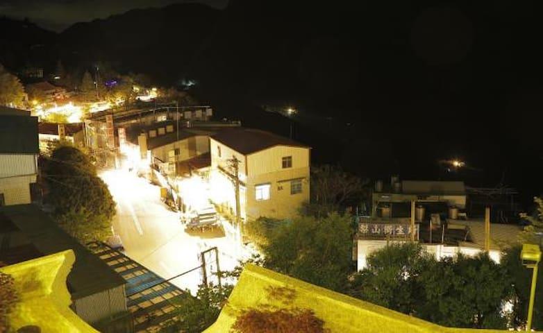 梨山飛燕城堡渡假飯店-貴賓四人房