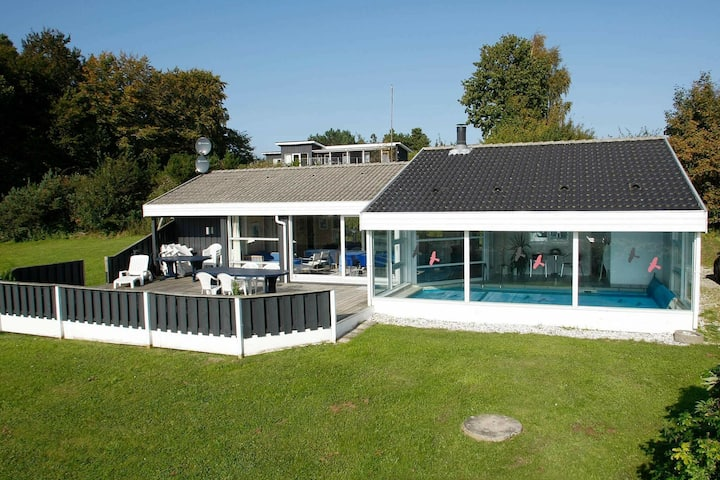 Exklusives Ferienhaus in Ebeltoft mit Swimmingpool
