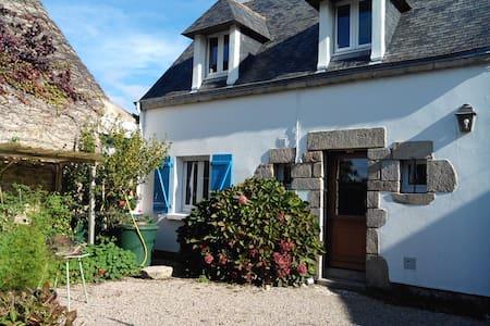 Maison située dans un hameau paisible. - Belz - Dům