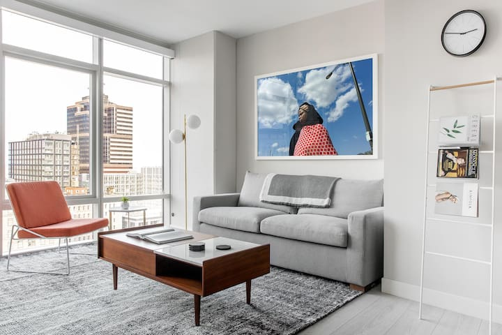 Remarkable 1BR | Gym | City Center by Lyric