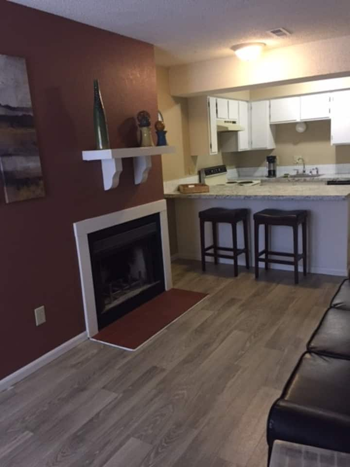 Cute/Cozy 1 Bedroom Apt with Washer/dryer