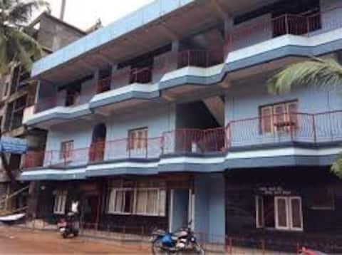 Hari Om Gokarna With Twin Room With Shared Bathroom
