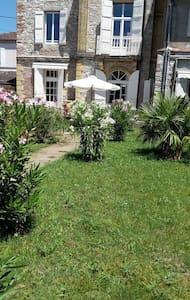 L'Ecrin - Bed & Breakfast - Ch. Romantique - Villeneuve-sur-Lot