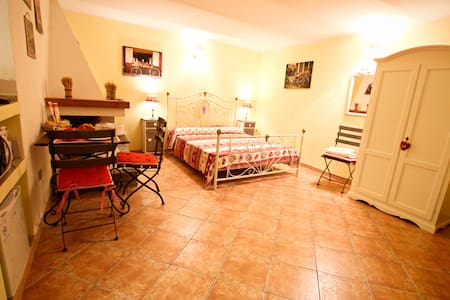 Bed & Breakfast Majore camera matrimoniale - Nuoro