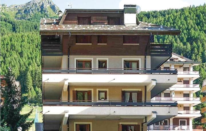 Beautiful apartment in Aprica with WiFi and 2 Bedrooms