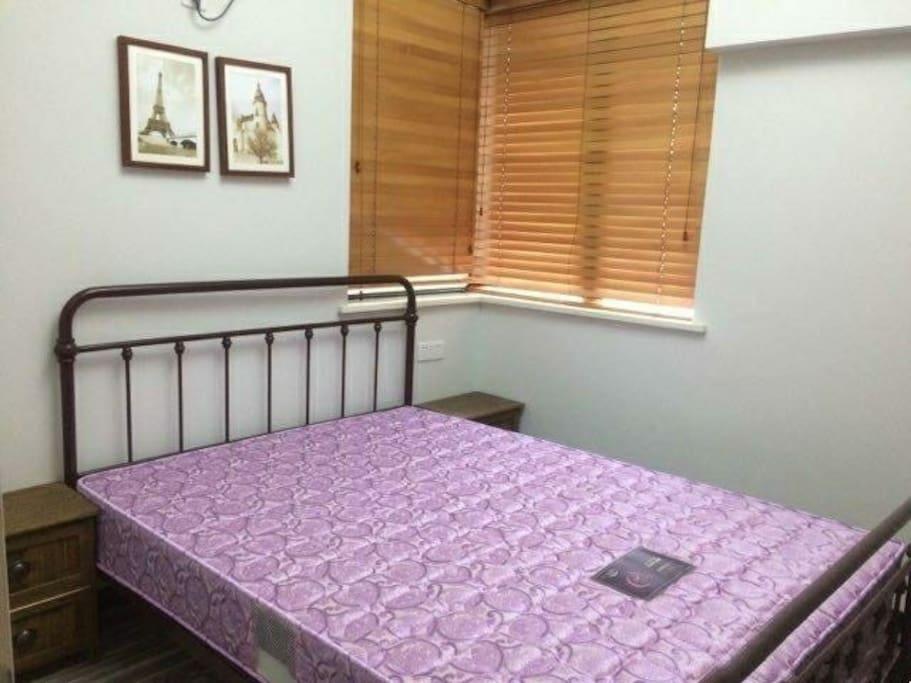 房间,床宽1.5米