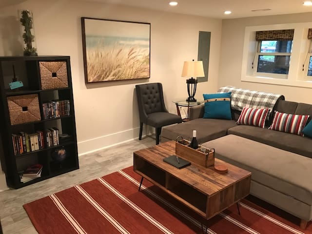 Sakura Suite, luxury 1 BR apt in Capitol Hill!