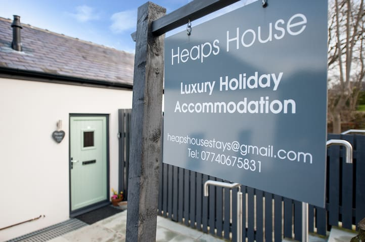 Heaps House Luxury Holiday Let - Denby Dale - Huis
