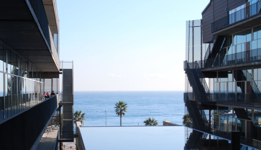 *Quiet & Centric Single Room* near the Sea and UPF
