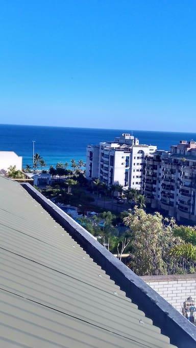 Vista aérea do condomínio e praia