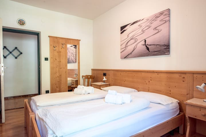 2 bedrooms and 3 bathrooms, 4/6 pers. Val di Fassa