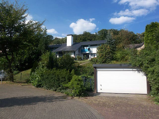 Schönes Haus mit vielen Möglichkeiten