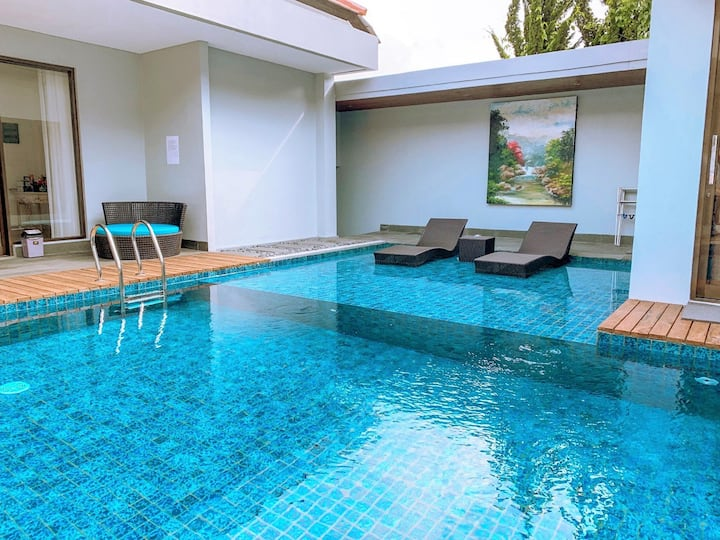 Kencana Villa 7 bedroom with a private pool