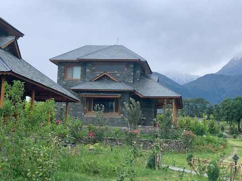 Independent cottage with all amenities