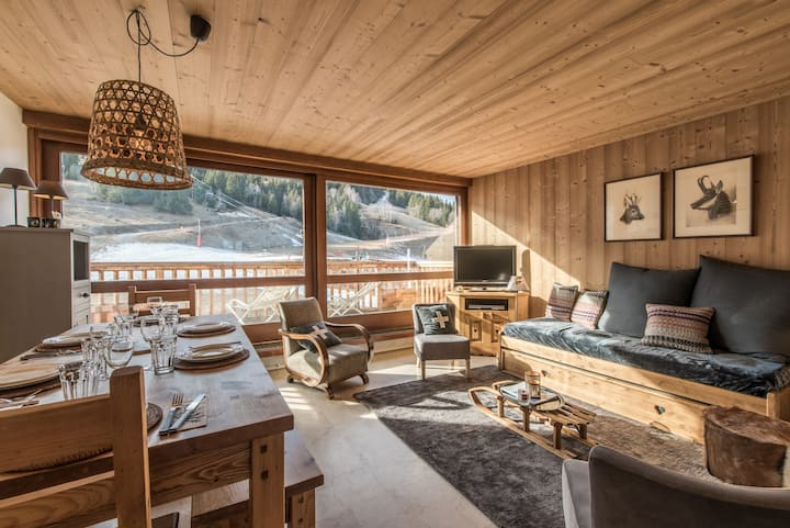 Apartment on the front snow of Courchevel Village