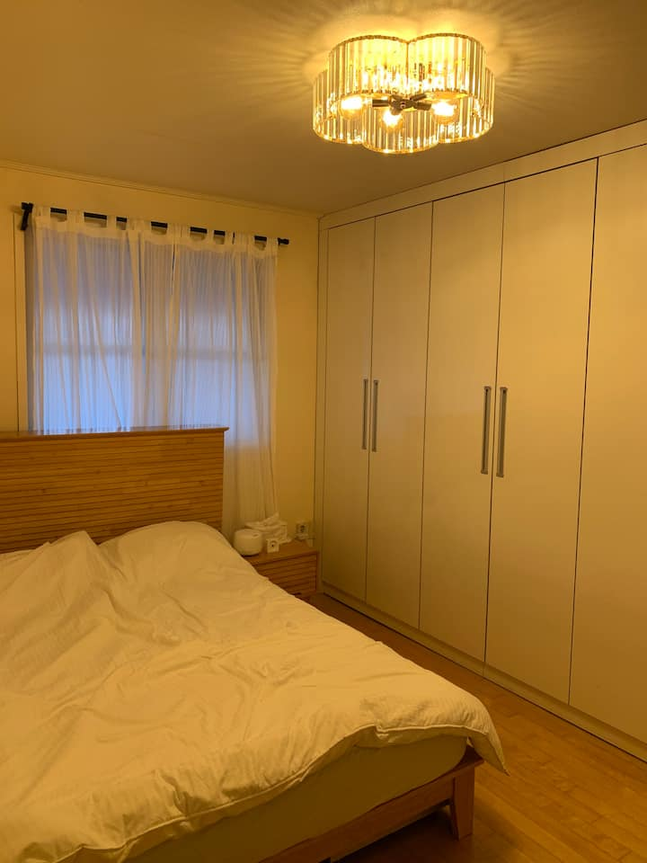 PyeongTaek countryside 1 room with Q bed 평택 시골집스테이