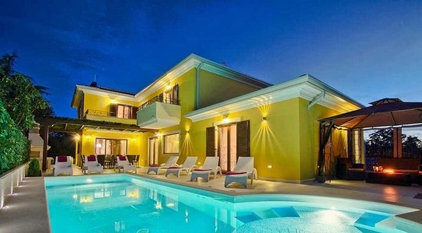 Great Villa with 4 bedrooms and Pool heated - Costa Adeje - Vila