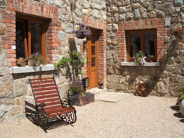 Fabulous stone house with amazing views in Wicklow - Rathdrum - Semesterboende