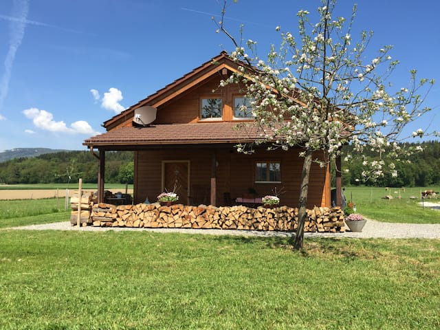 Rustikales Holzchalet im Mittelland - Wolfwil - Guesthouse