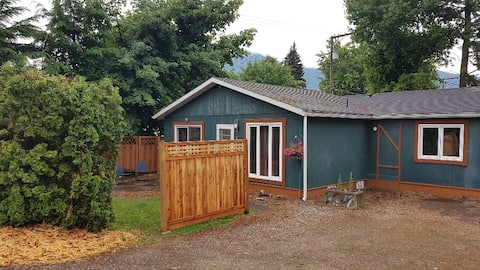 Nakusp Guest House 88A