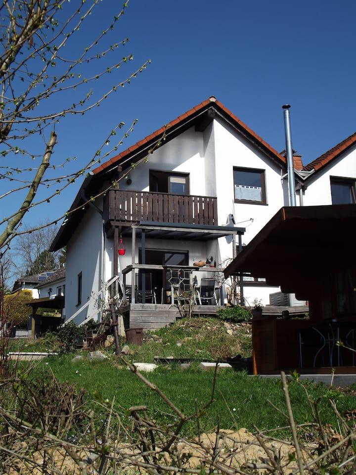 Gemütliche Ferienwohnung am  Wiesbachtal im Taunus
