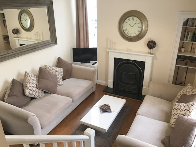 Elegant Apartment, Great Location! - Cheltenham - Lägenhet