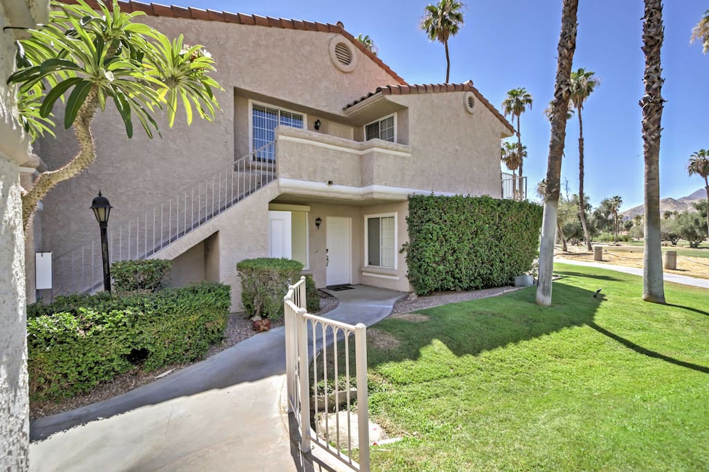 This Palm Springs home places you just 10 minutes from downtown.