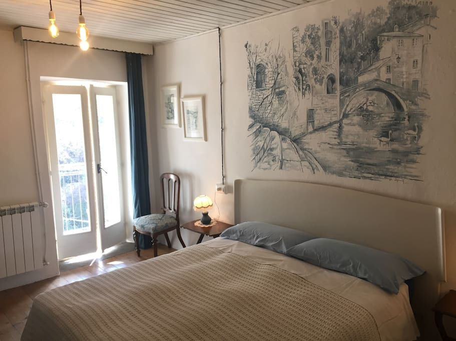 Room For Rent In Nesso Italy
