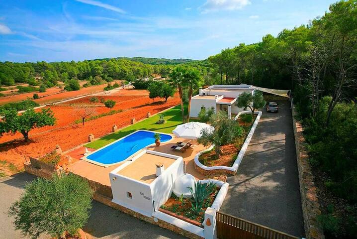Villa Can Curreu