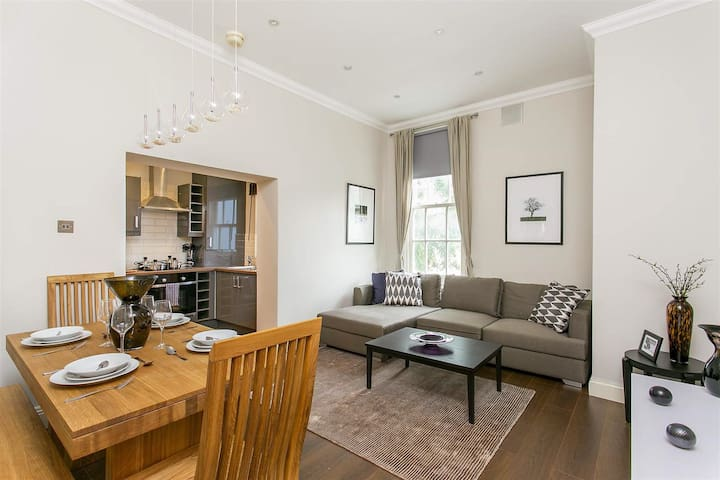Beautiful Primrose Hill/ Regents Park apartment.