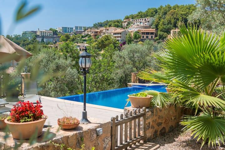 With fantastic mountain views and pool - Villas Ca'n Tamany and Ca'n Baixo