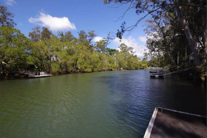 Currumbin Creek Front Paradise With Private Jetty
