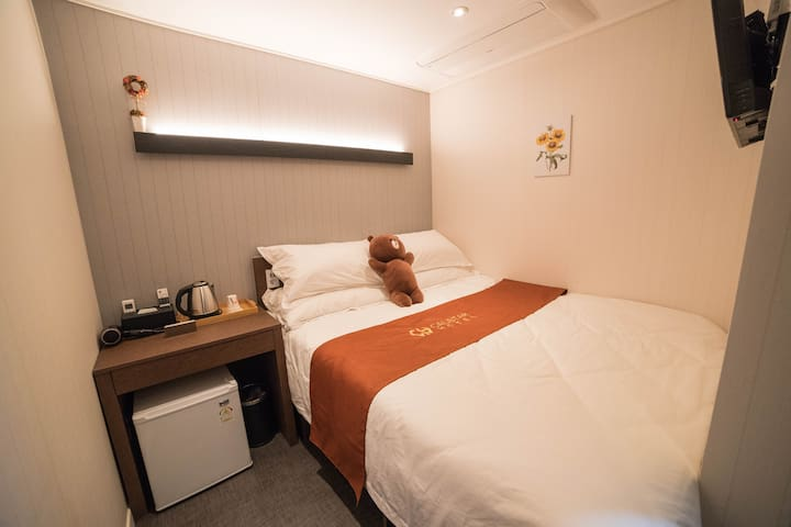 [Myeongdong] #004 , Double Room , Breakfast