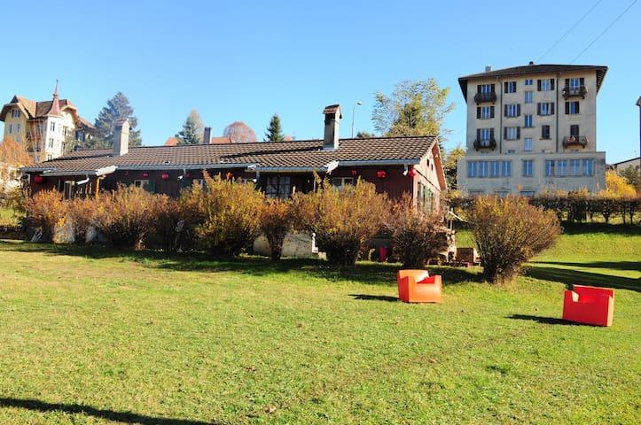 Cabane de bois - La Chaux-de-Fonds - Rumah