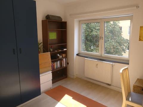 bonito piso de 24 metros cuadrados, a 2 minutos de Chlodwigplatz