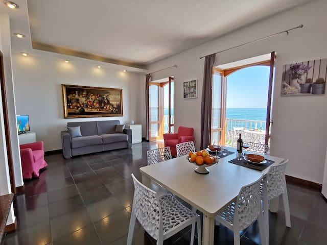 SUPER panorama & Astonishing apartment seaview