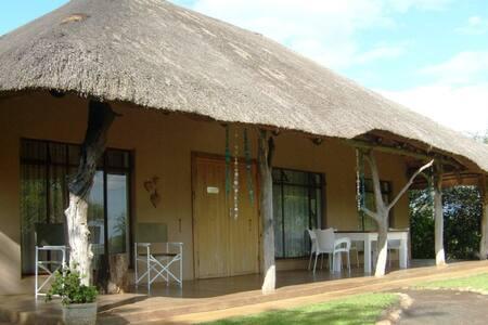 Umkhaya Family Cottage
