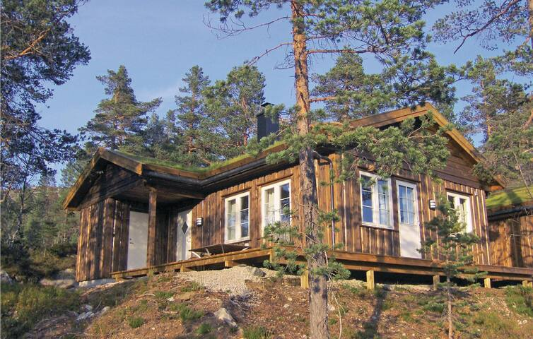 Semi-Detached with 4 bedrooms on 110 m² in Dølemo