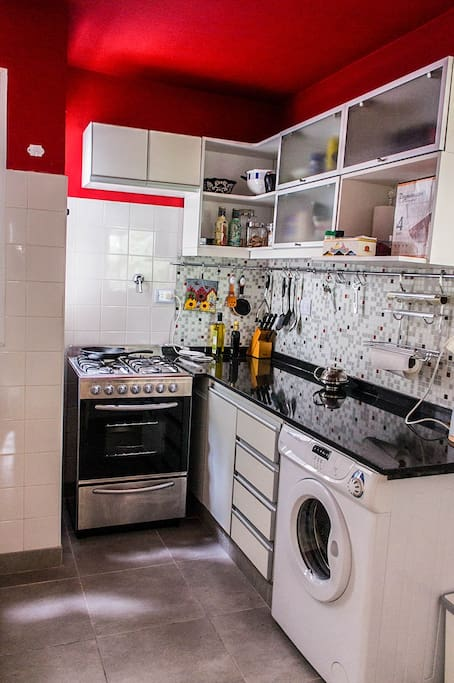 Fully equipped kitchen with washer