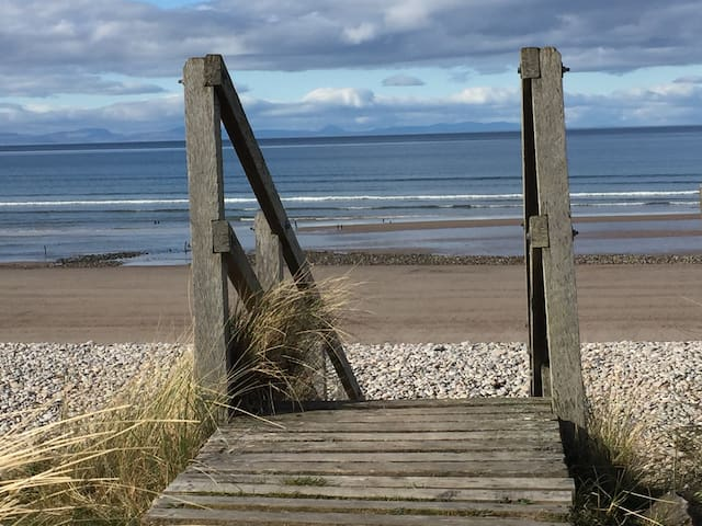 Bright, Beach Apartment - Findhorn  - Appartement