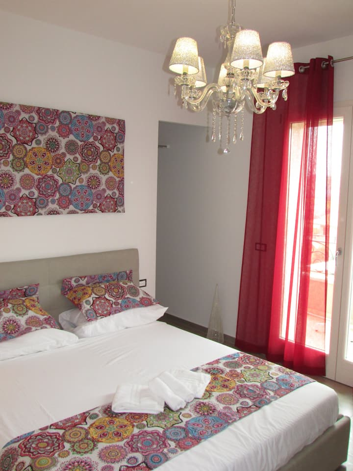 Double bedroom with private bathroom,up to 4guests