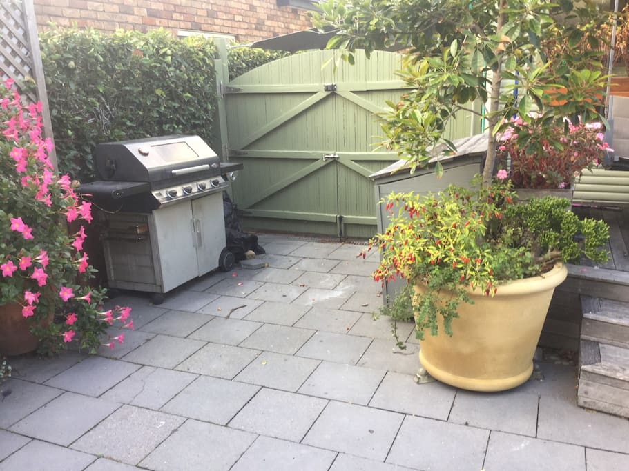 Private Entrance with bbq
