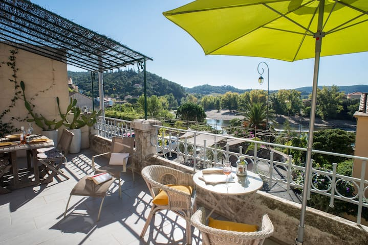 Les Hirondelles, great river views! - Roquebrun - House