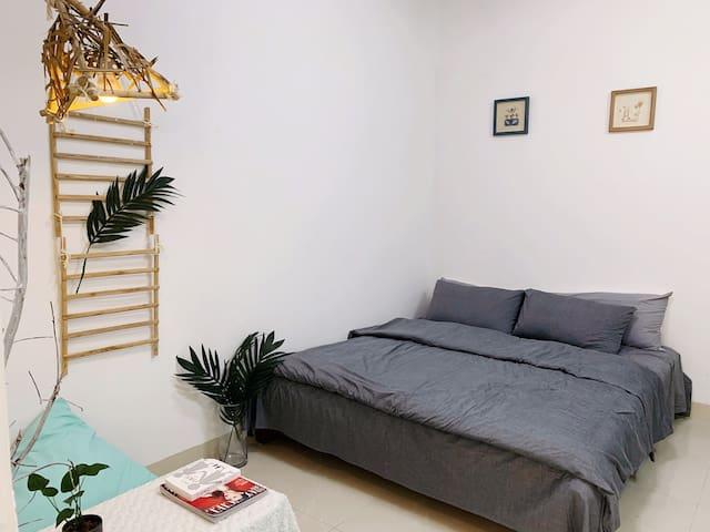 了凡公寓,谷埠街宽敞明亮超大空间的文艺小清新公寓。
