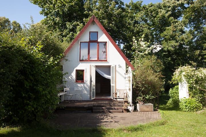 Picturesque living - close to the southern beaches - Ystad V - House